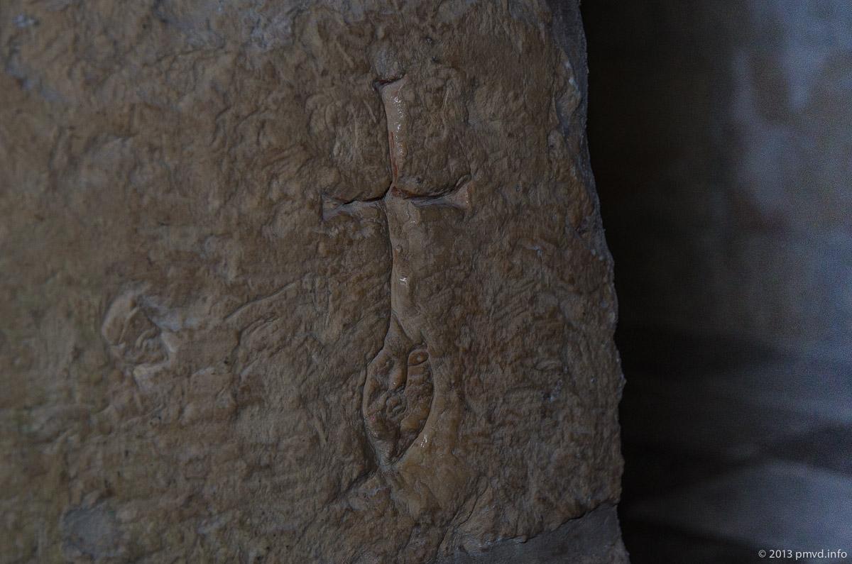 Древнее граффити в Церкви Бориса и Глеба в Кидекше