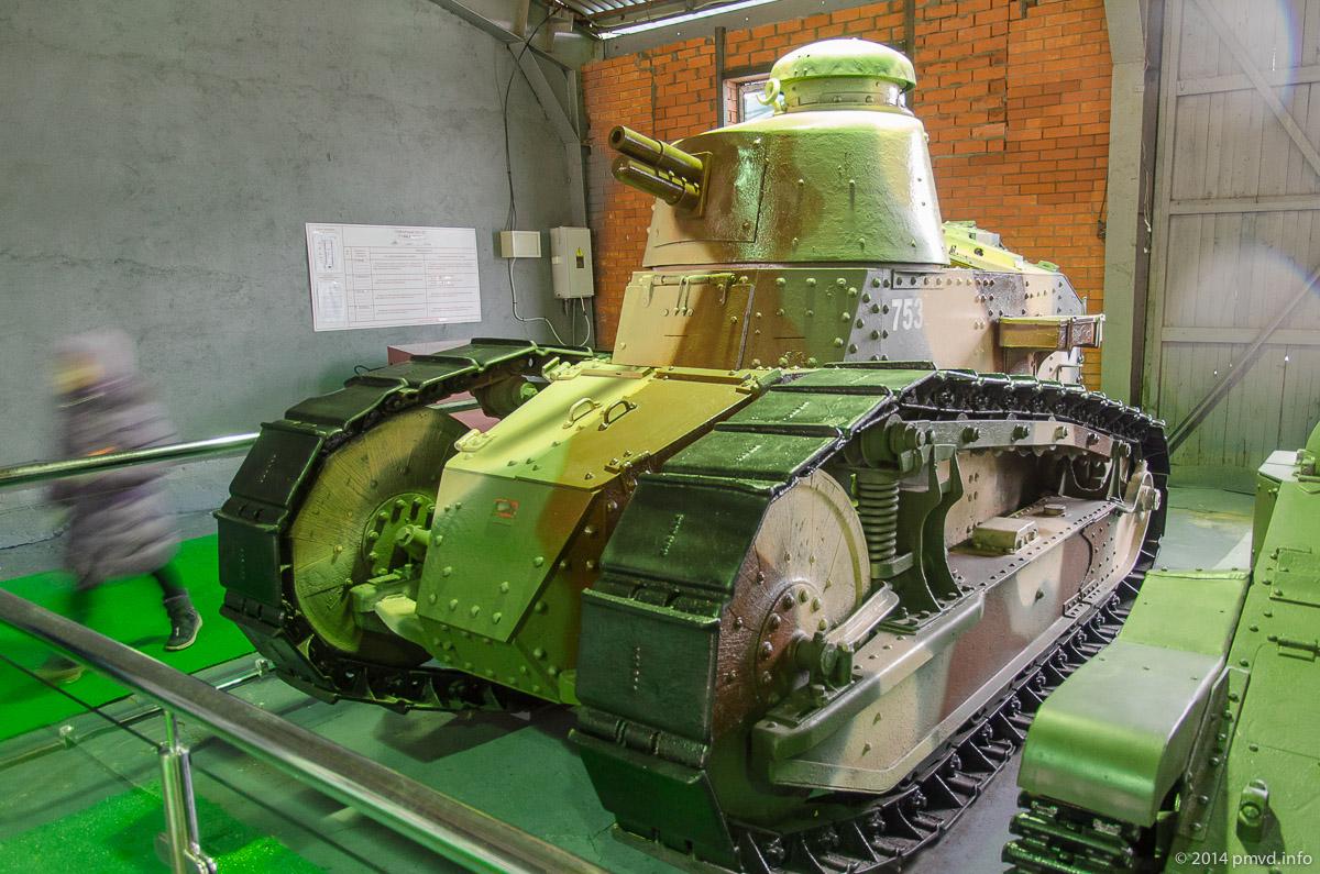 Renault FT17 в танковом музее Кубинки