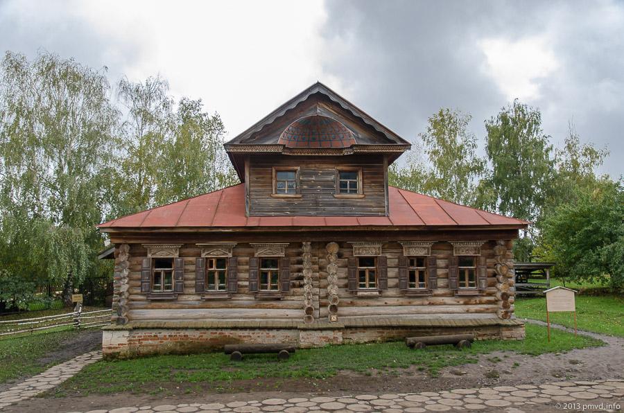 Суздаль. Музей деревянного зодчества. Дом с мезонином
