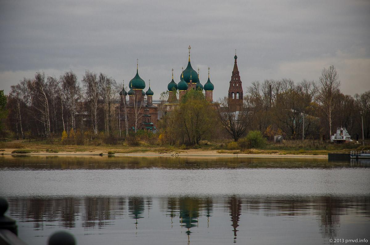 Ярославль. Архитектурный ансамбль в Коровниках.