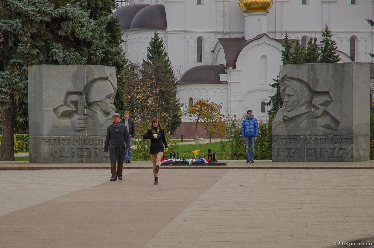 Ярославль. Репетиция смены караула у Вечного огня.