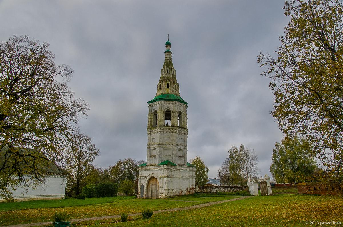 Шатровая колокольня в Кидекше