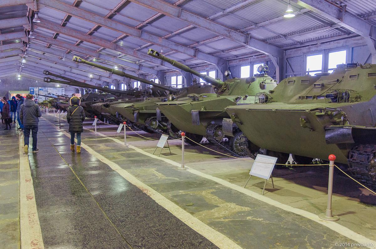 Павильон советских танков в танковом музее в Кубинке