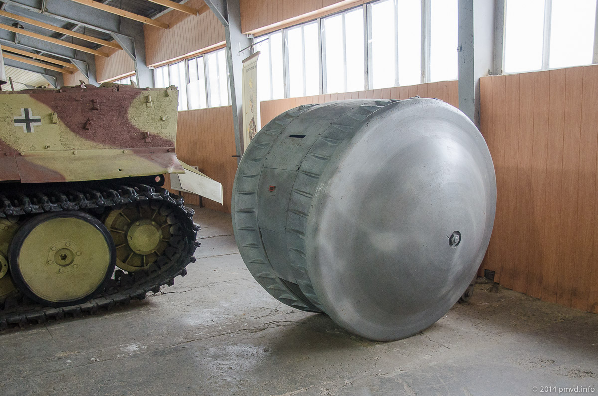 Немецкая машина наблюдателя в танковом музее Кубинки