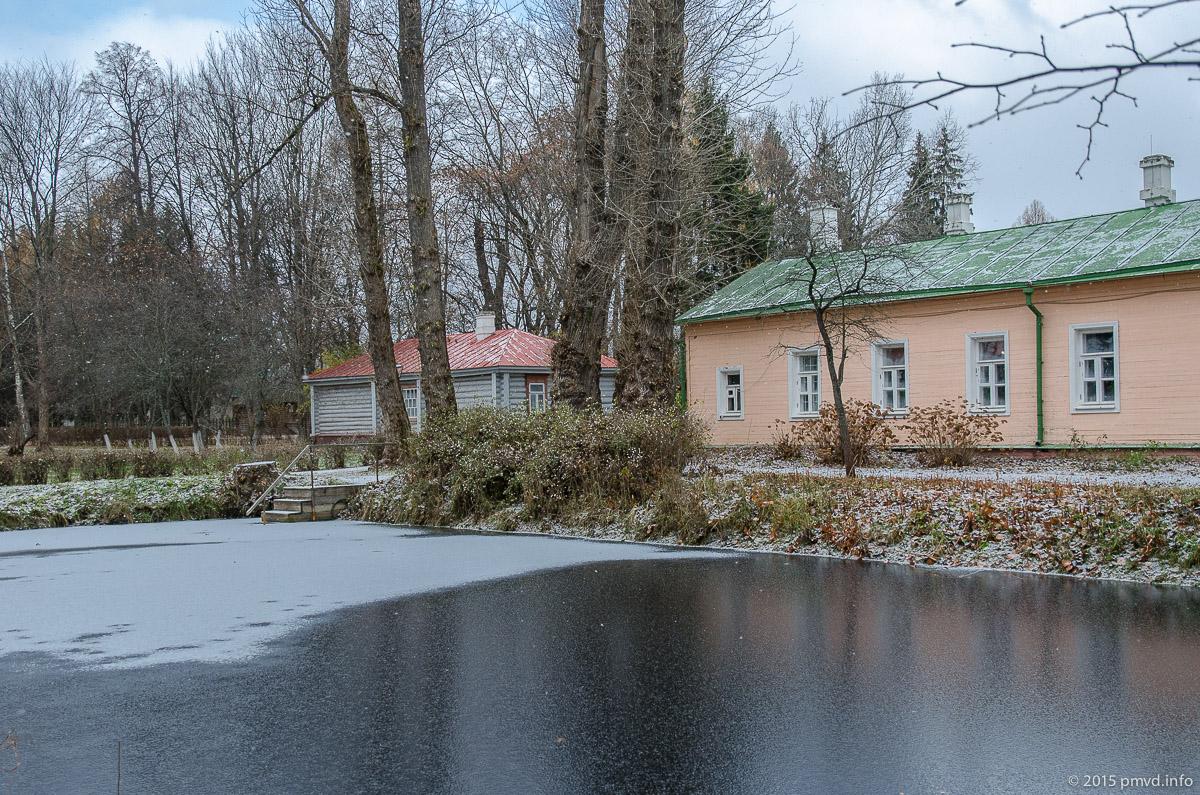 пруд Аквариум в Мелихово