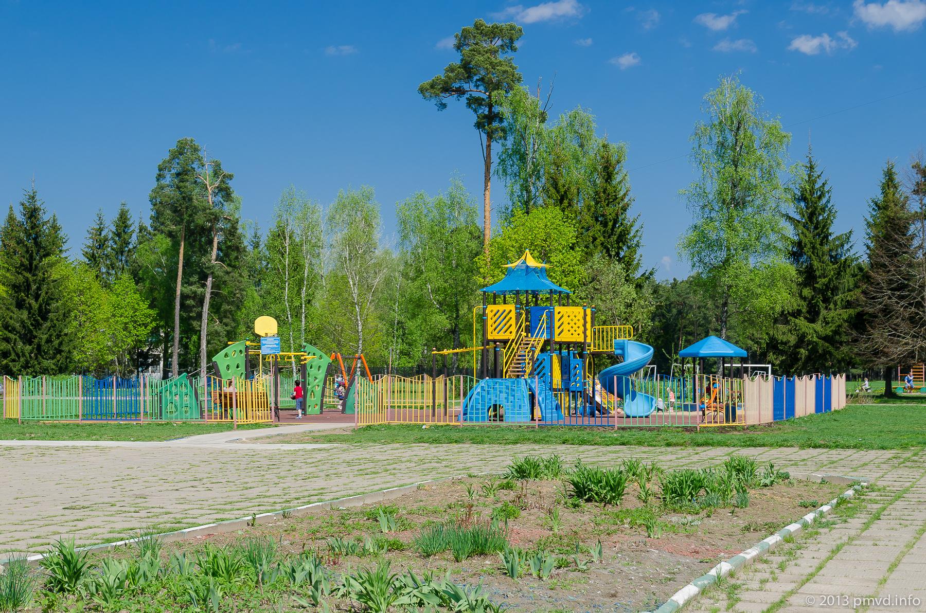 Наро-Фоминский район. Яковлевское. Детская площадка