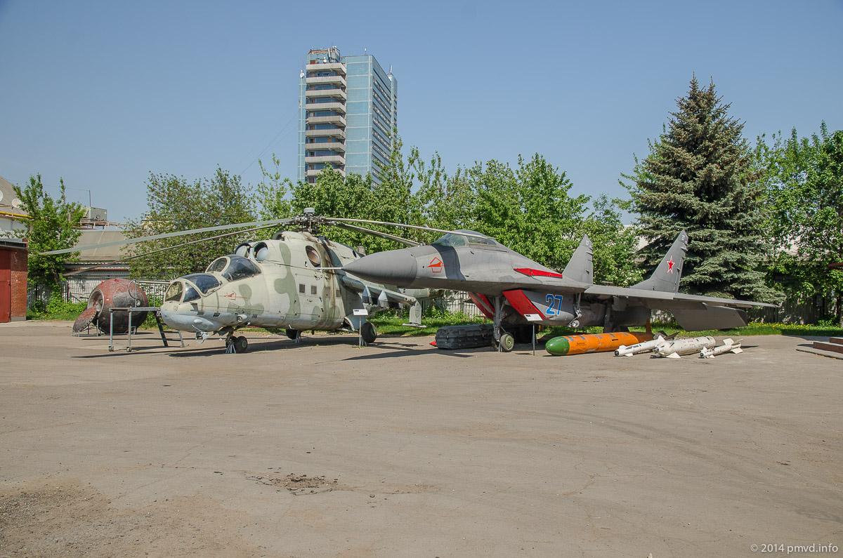 Одинцово. Военная техника в краеведческом музее