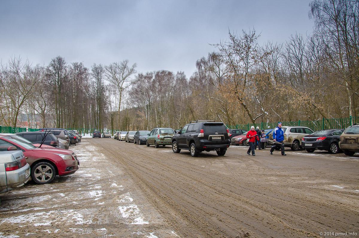 Парковка у Мещерского парка