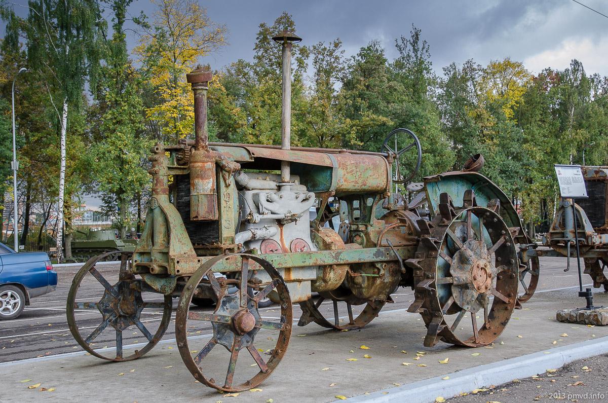 Трактор Универсал в Музее Техники Вадима Задорожного