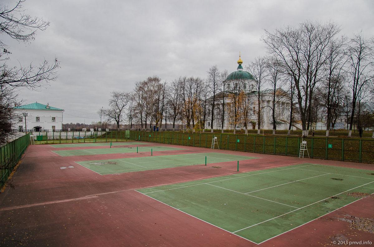 Ярославль. Медвежий овраг. Теннисные корты.